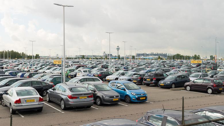 Dit jaar ruim honderd klachten over valet parking bij Schiphol