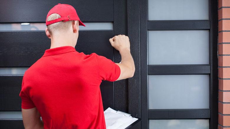 Man doet zich voor als koerier postbedrijf, opgepakt wegens oplichting